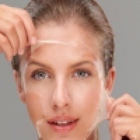Őszi bőrtréning: itt a gyógynövényes mélyhámlasztás szezonja