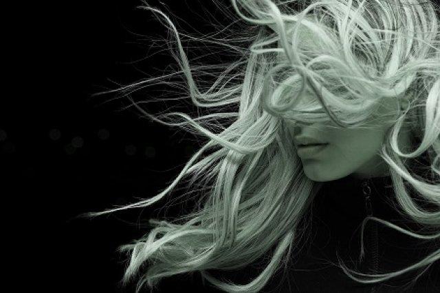 Bőratka és még 8 ok, amitől hullhat a haja