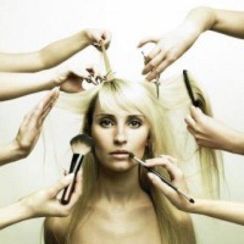 Alkalmi smink problémás bőrre