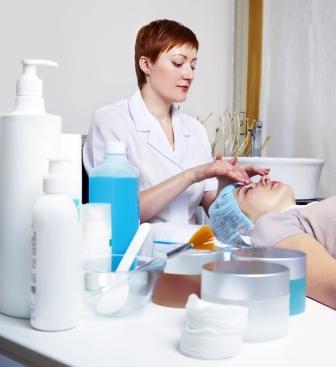 A problémás bőr kozmetikai kezelése a rosacea és a pattanások ellen is beválik.